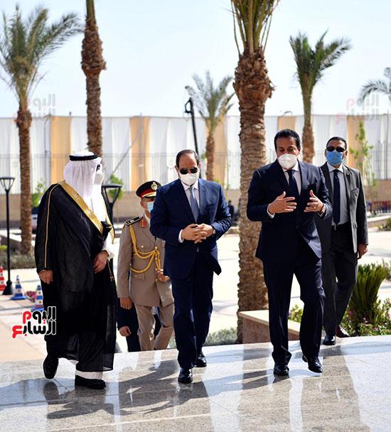 الرئيس السيسي يتفقد جامعة الملك سلمان (11)
