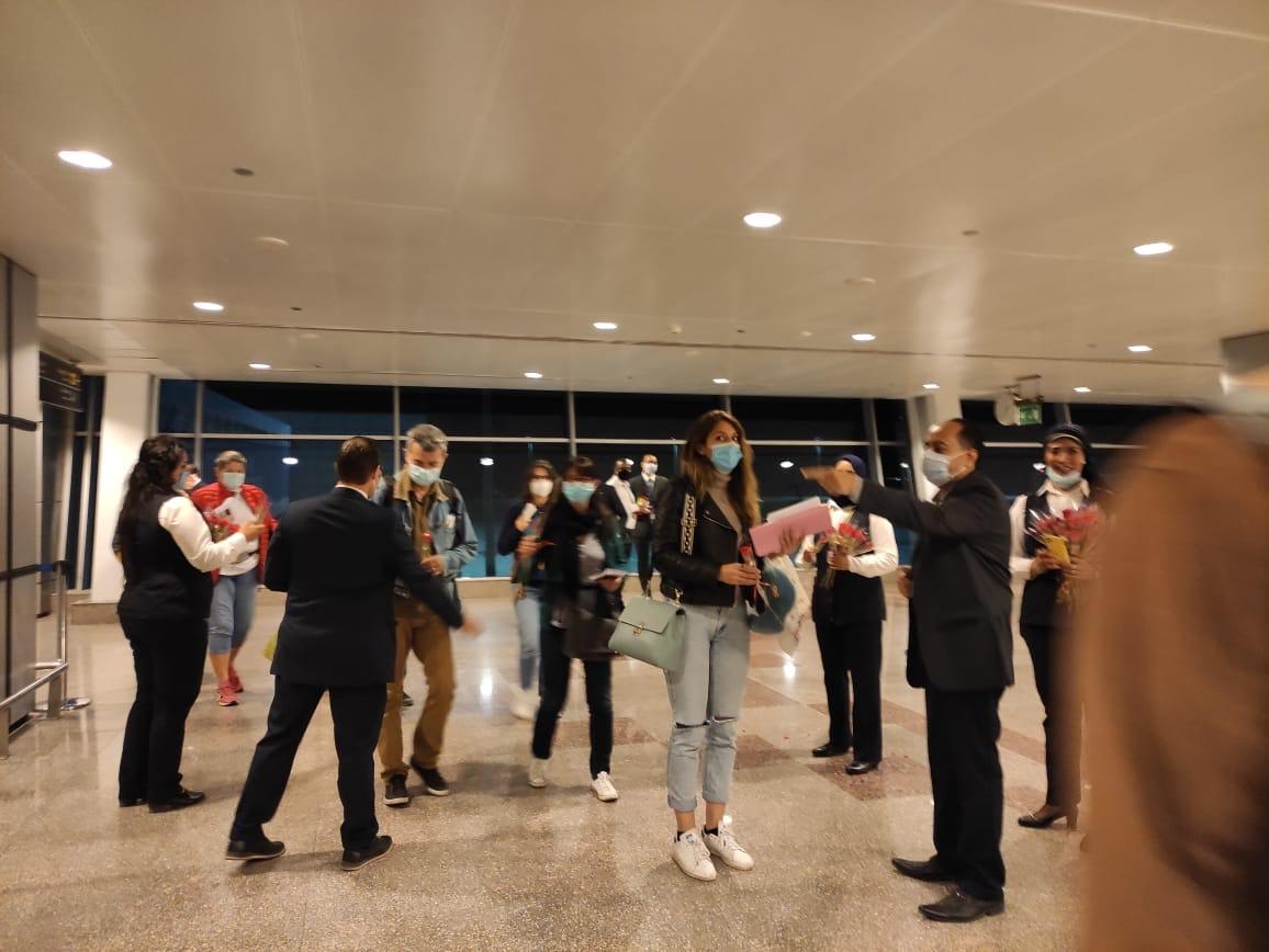 مطار الغردقة الدولى يستقبل أولى الرحلات الفرنسية  (1)