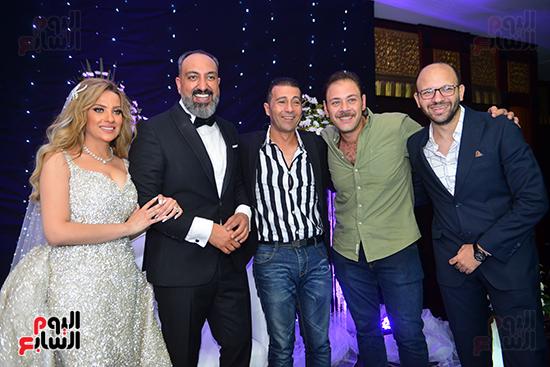 اصدقاء الزميل عماد صفوت مع عروسته