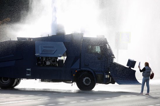 2020-10-04T150013Z_1682592548_RC2RBJ9V23TE_RTRMADP_3_BELARUS-ELECTION-PROTESTS
