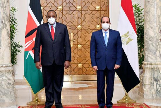 الرئيس عبد الفتاح السيسي و أوهورو كينياتا رئيس دولة كينيا (4)