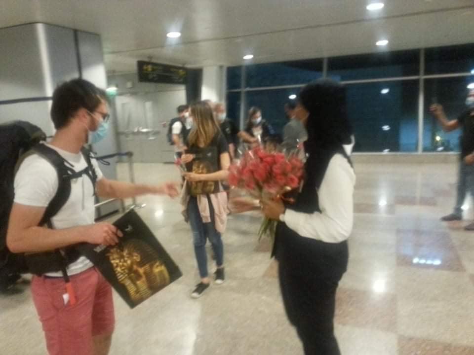 مطار الغردقة الدولى يستقبل أولى الرحلات الفرنسية  (3)