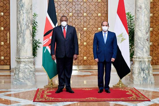 الرئيس عبد الفتاح السيسي و أوهورو كينياتا رئيس دولة كينيا (3)