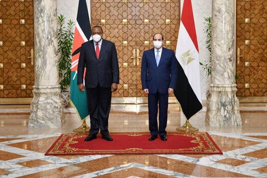 الرئيس عبد الفتاح السيسي و أوهورو كينياتا رئيس دولة كينيا (6)