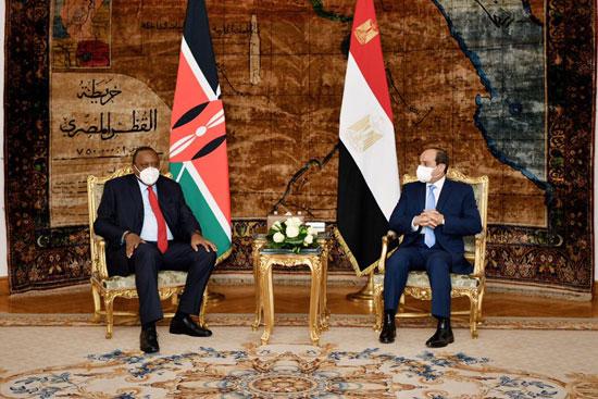 الرئيس عبد الفتاح السيسي و أوهورو كينياتا رئيس دولة كينيا (5)