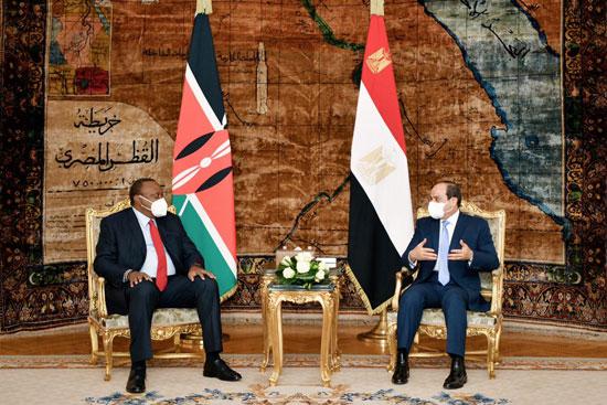 الرئيس عبد الفتاح السيسي و أوهورو كينياتا رئيس دولة كينيا (8)