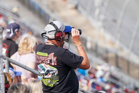 2020-10-04T234631Z_945592242_NOCID_RTRMADP_3_NASCAR-YELLAWOOD-500