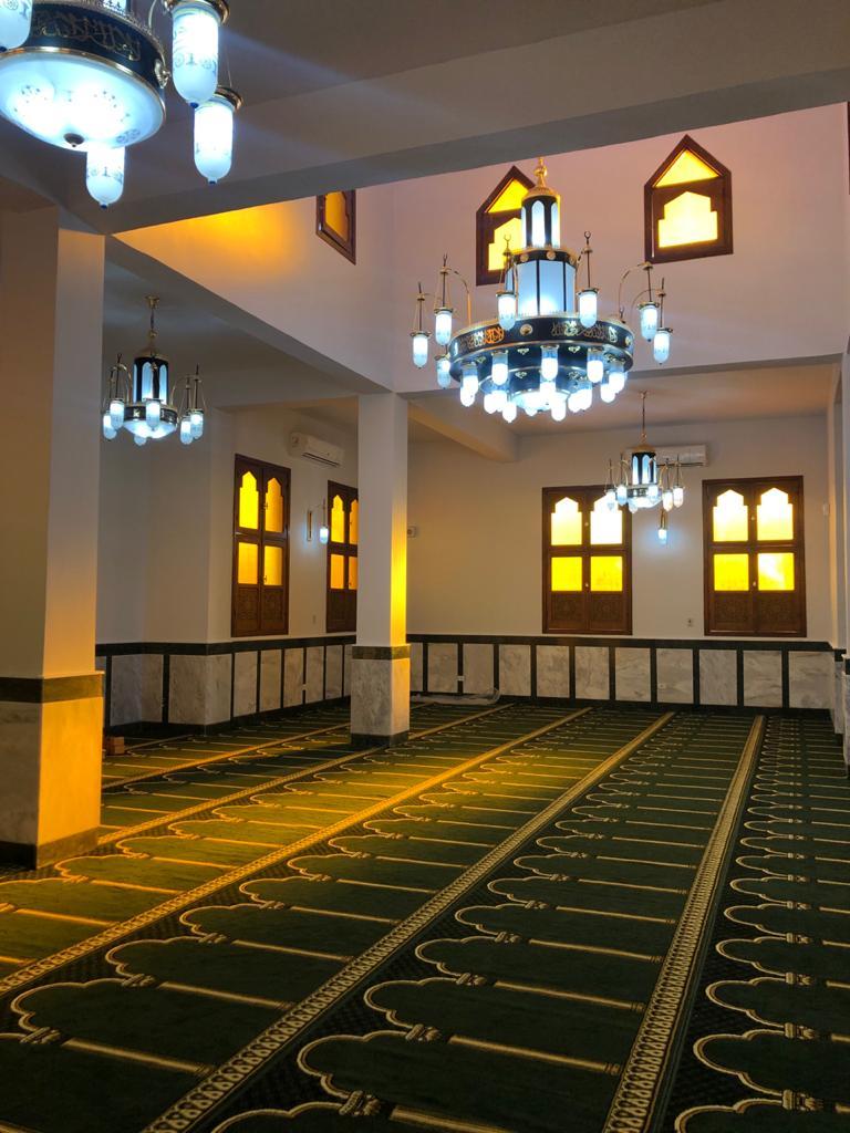 بناء مسجد الشهيد احمد المنسي على الطراز الإسلامي المميز