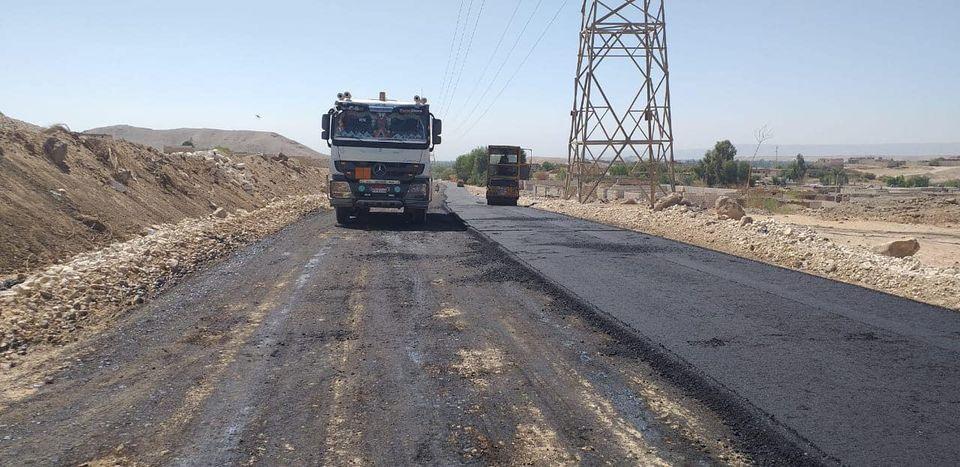 مدينة إسنا تعلن العمل على قدم وساق بالمشروعات القومية ورصف الطرق  (1)