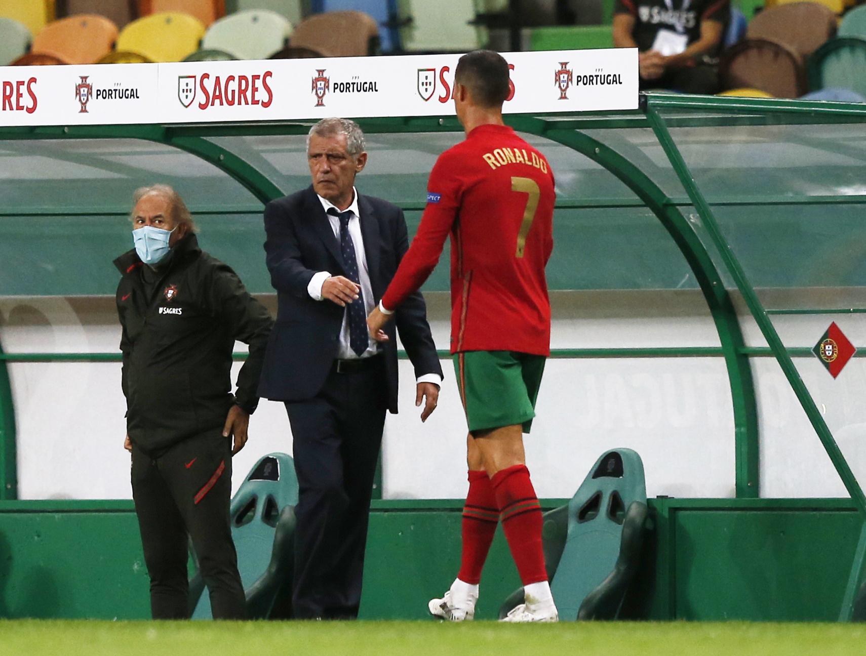 كريستيانو رونالدو مع المدرب فرناندو سانتوس