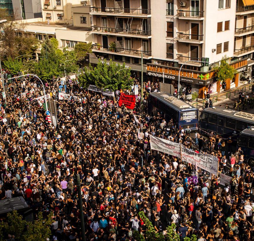 احتجاجات حاشدة في اليونان