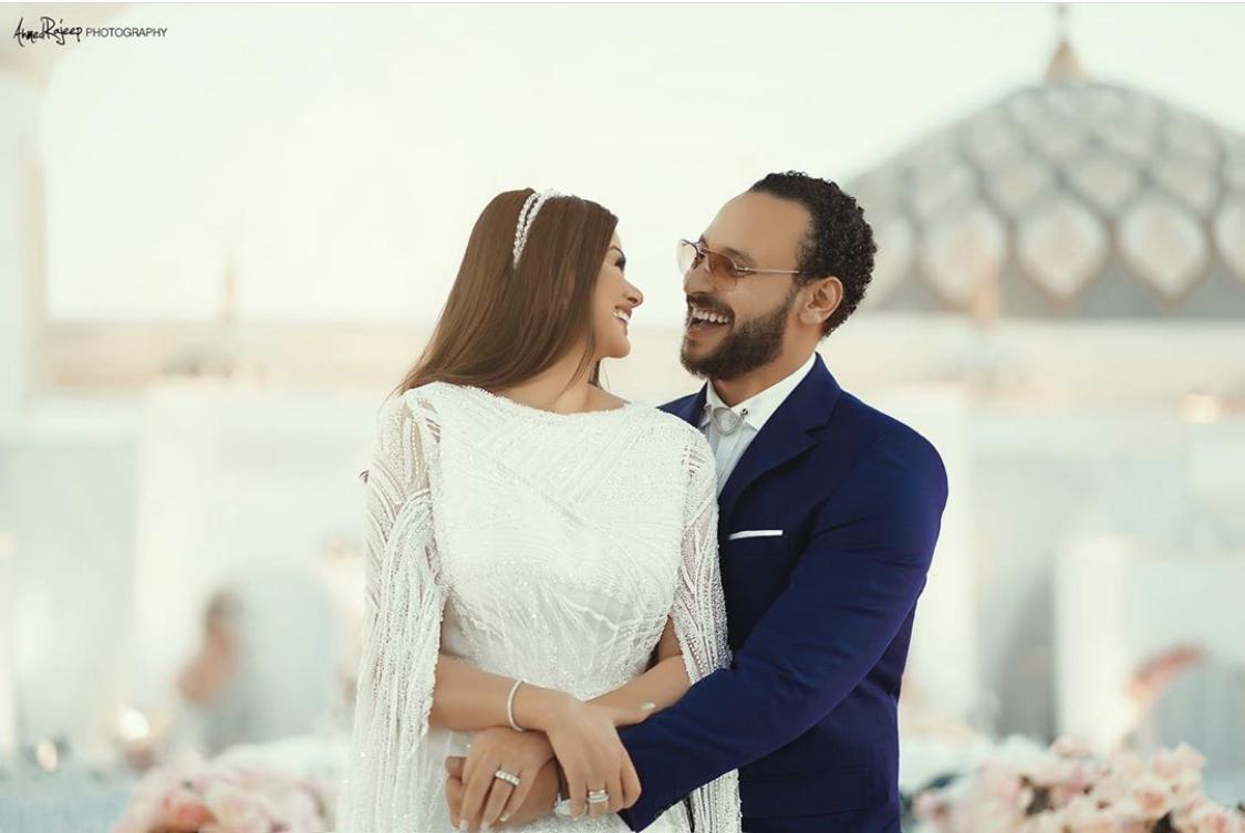 جلسة تصوير هنادي مهنى واحمد خالد صالح بعد عقد قرانهما
