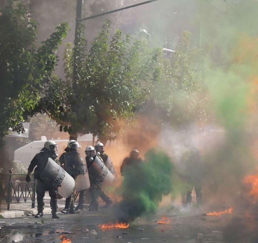 أعمال عنف في احتجاجات اليونان