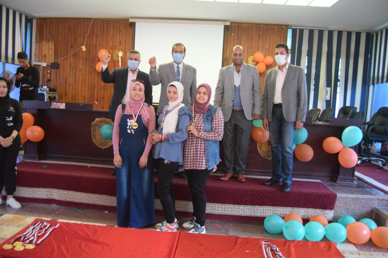 حفل ختام فعاليات أسبوع التوعية بمخاطر الإدمان بسوهاج (7)