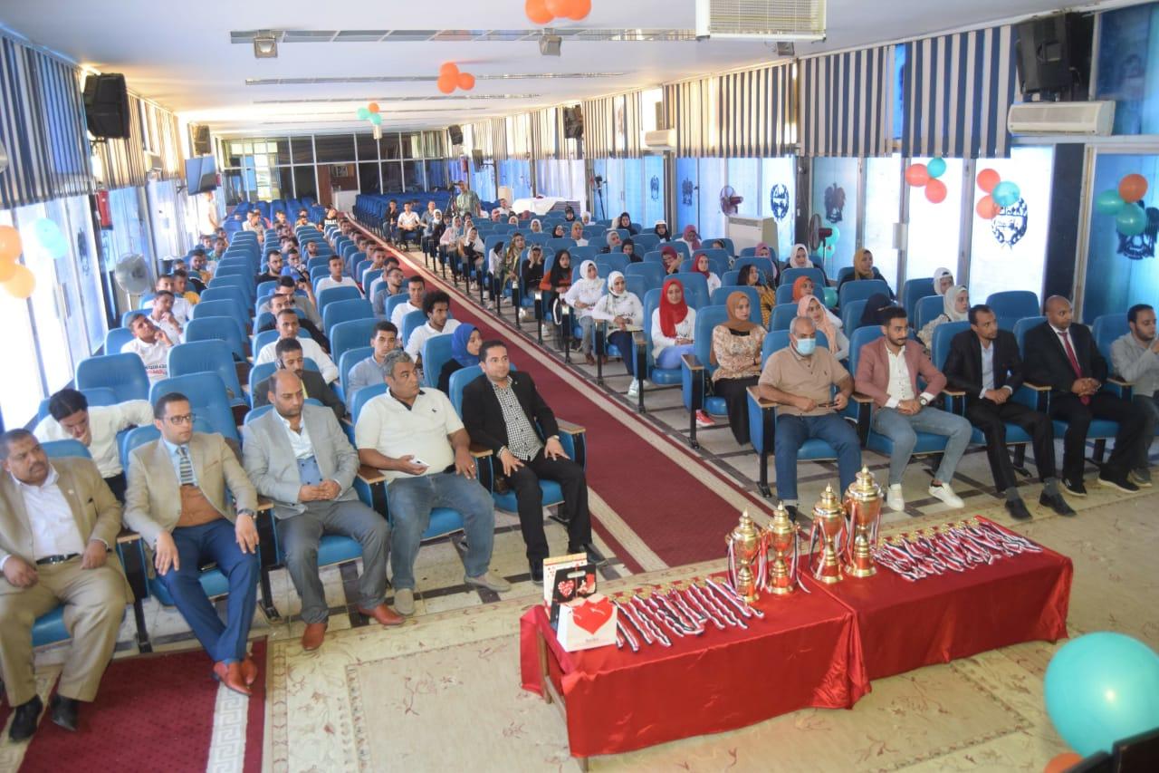 حفل ختام فعاليات أسبوع التوعية بمخاطر الإدمان بسوهاج (5)