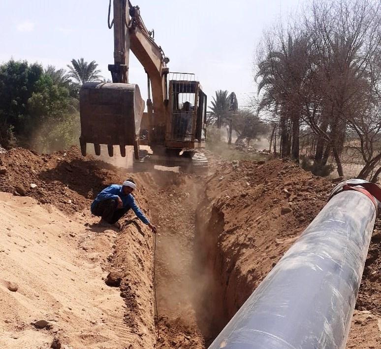 مشروعا مد خطوط مياه الشرب والصحى فى أسوان   (1)