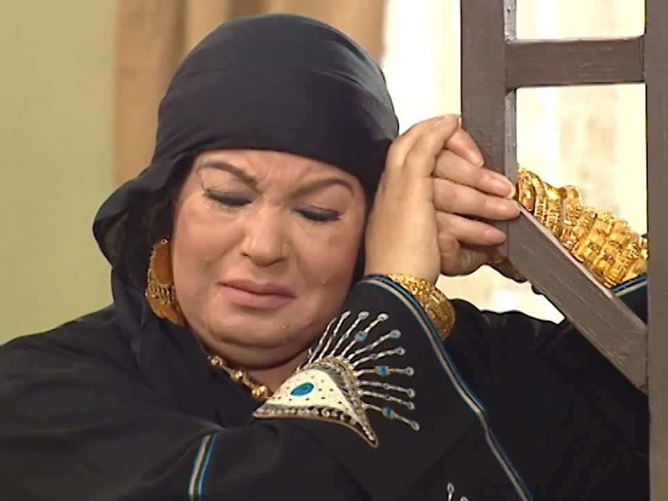 فيفيى عبده فى احد أدوارها بالحجاب
