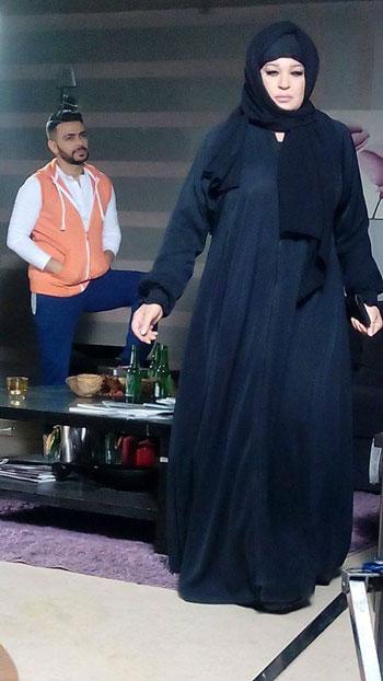 الفنانة فيفى عبده بالحجاب