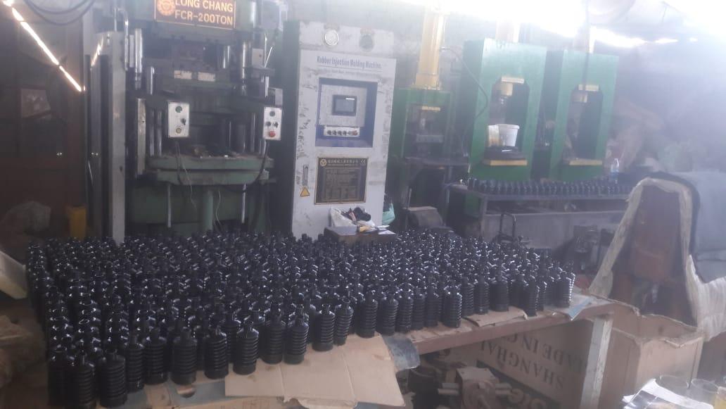 مصنع قطع غيار سيارات مخالف (2)