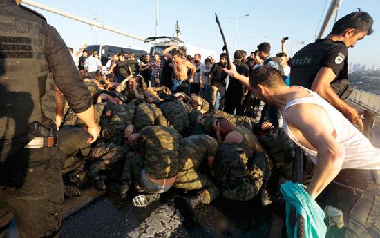2016-07-16T133745Z_1195614253_LR1EC7G11UMTU_RTRMADP_3_TURKEY-SECURITY