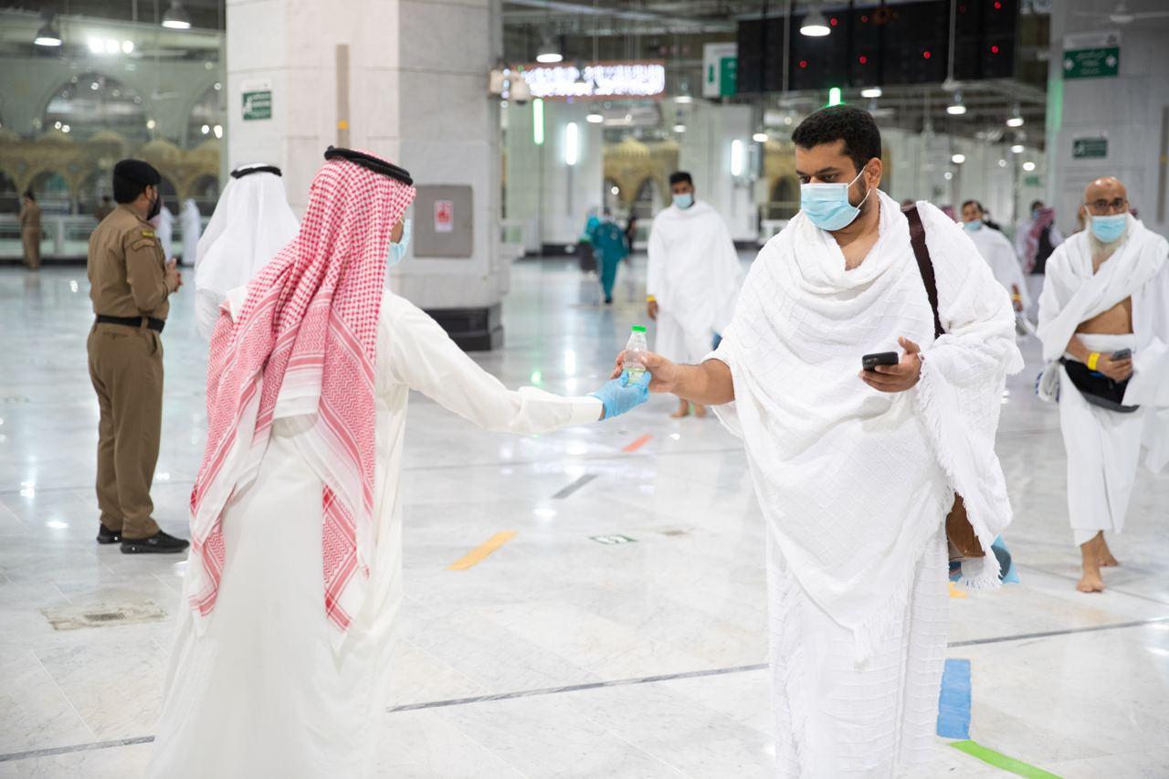 تكامل الجهود والاستعدادات بالمسجد الحرام في أول جمعة بعد عودة المعتمرين (3)