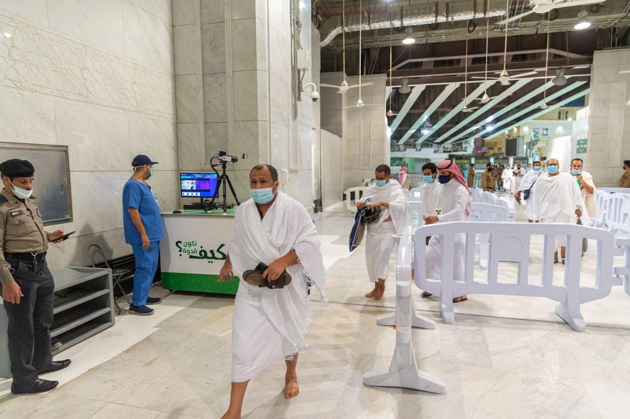 تكامل الجهود والاستعدادات بالمسجد الحرام في أول جمعة بعد عودة المعتمرين (2)