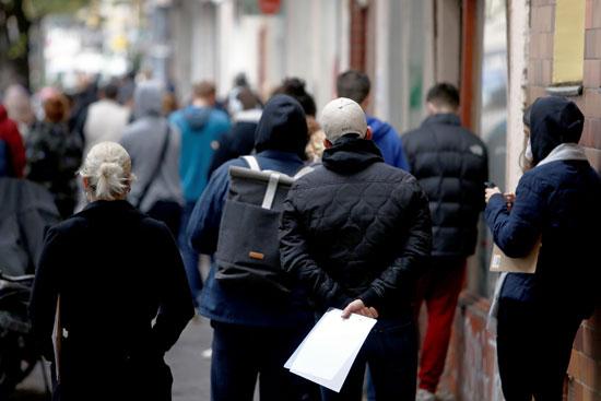مراكز فحص كورونا تكتظ بالمواطنين