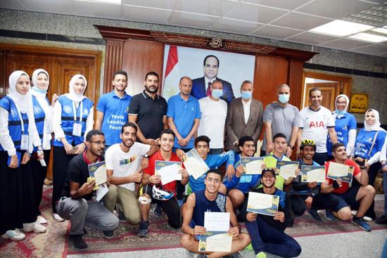 محافظ-القليوبية-يوزع-الجوائز-علي-الفائزين-بمارثون-سباق-الدراجات-رياضتك-مناعتك-(5)