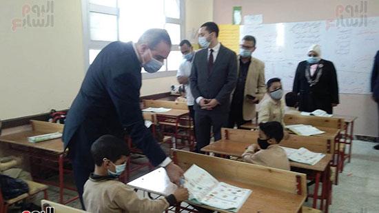 محافظ كفر الشيخ يفتتح 4 مدارس جديدة (4)