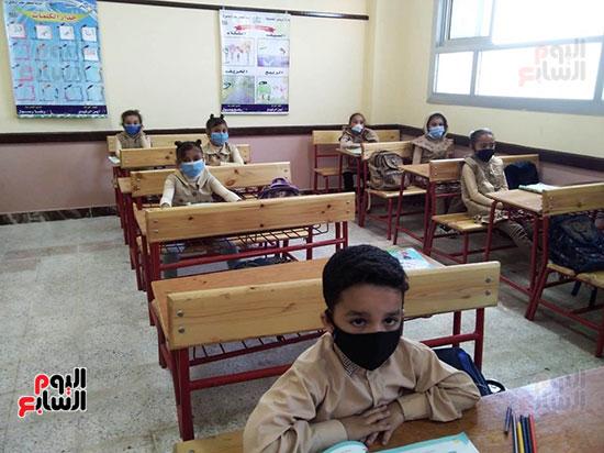 محافظ كفر الشيخ يفتتح 4 مدارس جديدة (6)