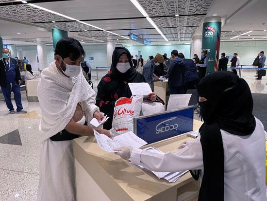 وصول الدفعة الأولى من المسلمين لأداء العمرة