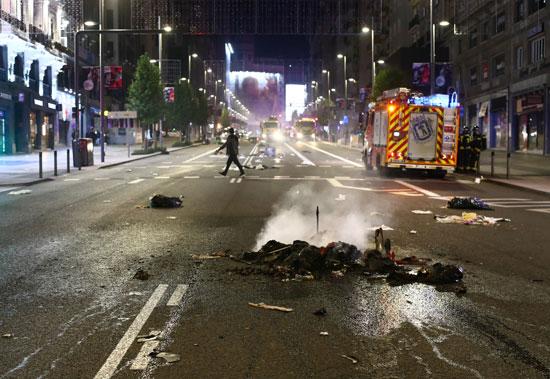 اشتباكات بين الشرطة ومحتجين على قيود كورونا فى عدة مدن إسبانية (4)