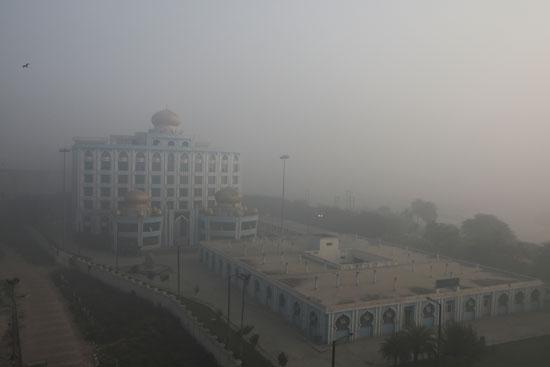2020-11-10T052951Z_153140247_RC250K9IXCS8_RTRMADP_3_INDIA-POLLUTION