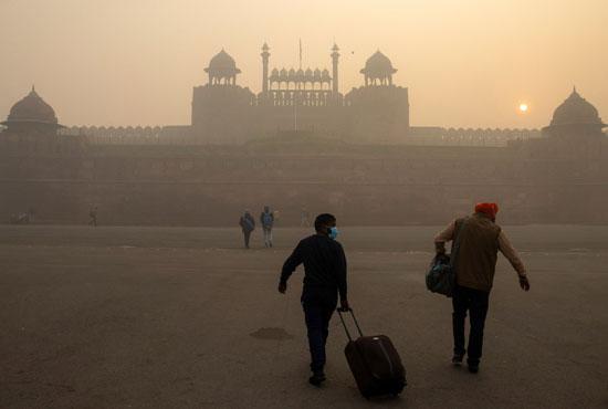 2020-11-10T045533Z_154142109_RC240K9RATJ6_RTRMADP_3_INDIA-POLLUTION