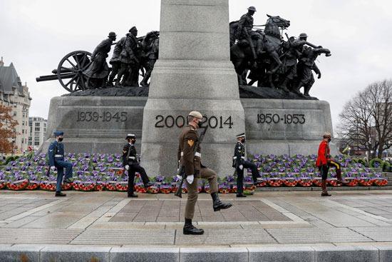 كندا تحيى ذكرى الحرب الوطنية (6)