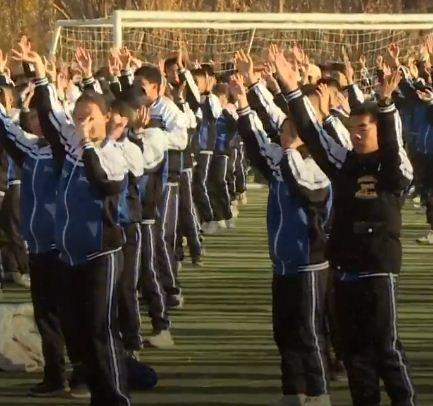 رقصة فى المدارس الصينية
