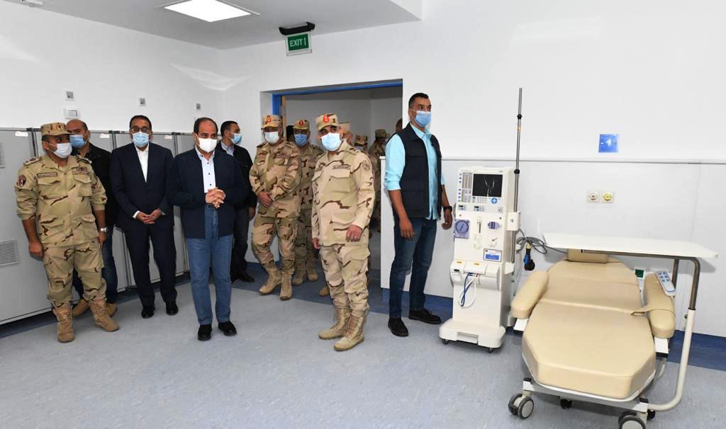 الرئيس السيسي يتفقد أحد مستشفيات العاصمة الإدارية الجديدة