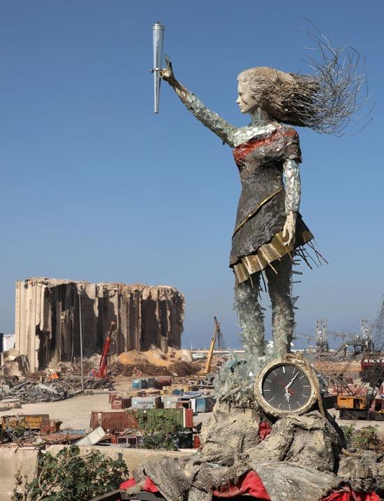 تمثال ركام بيروت