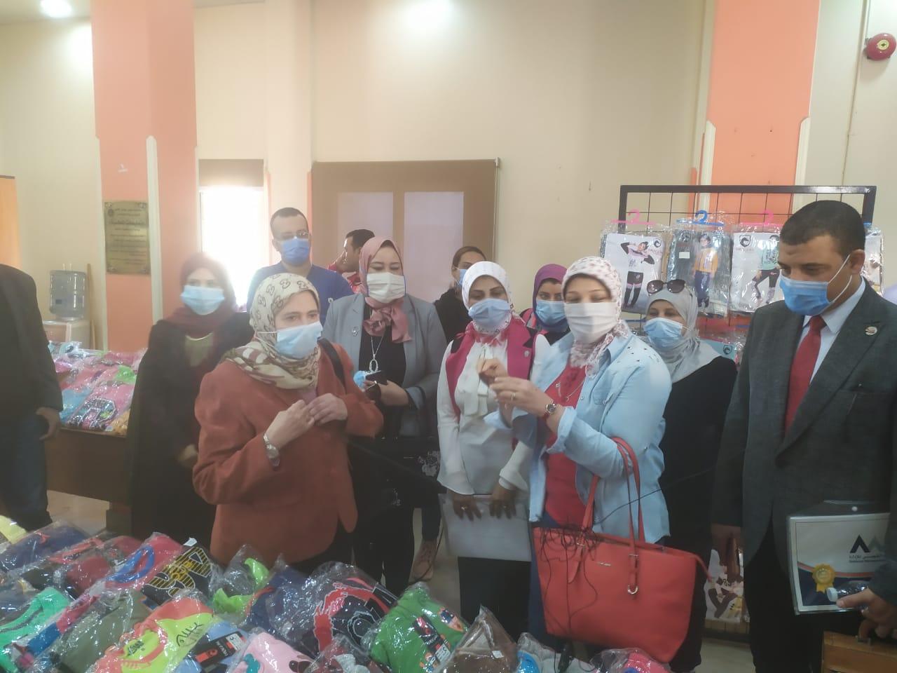 جامعة حلوان تطلق المرحلة الثانية من تطوير منطقة كفر العلو ودعم الأسر (5)