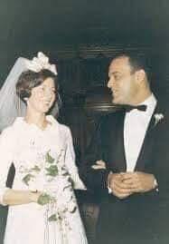 صورة نادرة من زفاف مجدي يعقوب