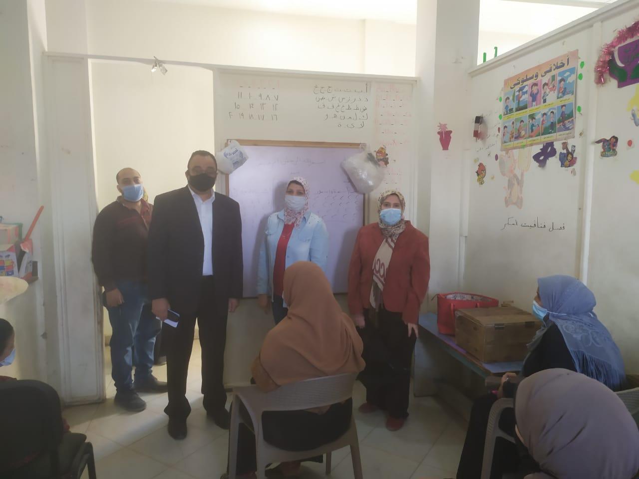 جامعة حلوان تطلق المرحلة الثانية من تطوير منطقة كفر العلو ودعم الأسر (2)