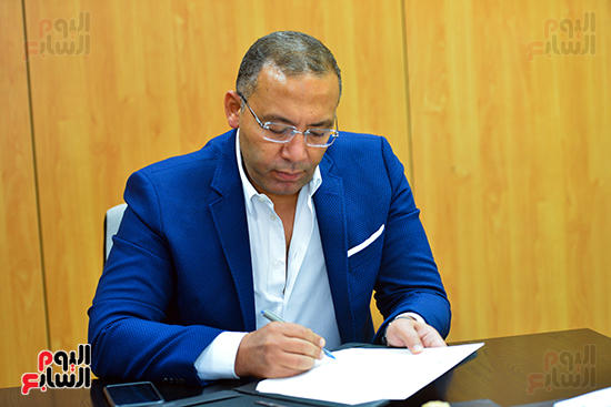 خالد صلاح خلال توقيع ميثاق التعاون