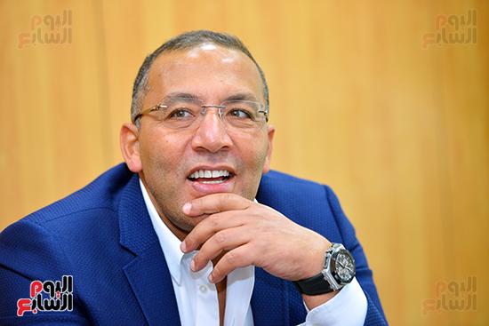 خالد صلاح خلال مراسم التوقيع