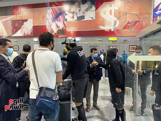 وصول مهمة المنتخب المصري (4).