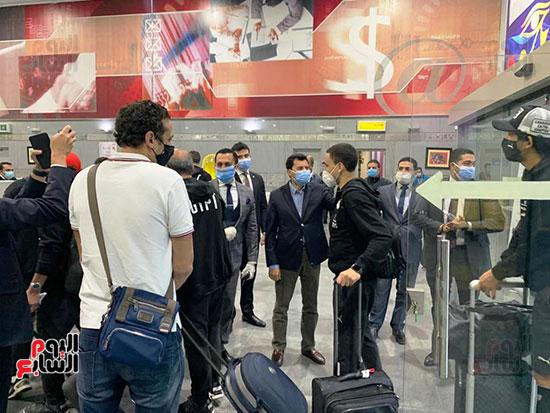 وصول مهمة المنتخب المصري (10).