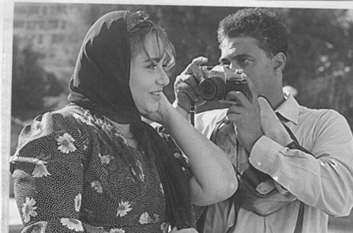 أحمد زكي وليلى علوي أنا أمزح الصورة تبدو حلوة