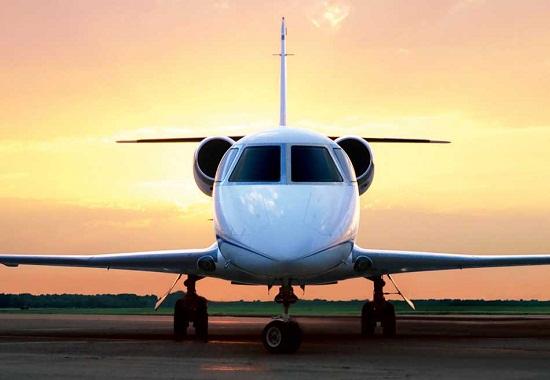 طائرة خاصة