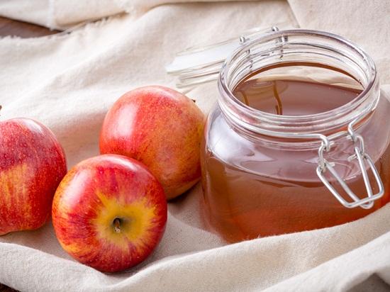 وصفات من العسل والتفاح للبشرة