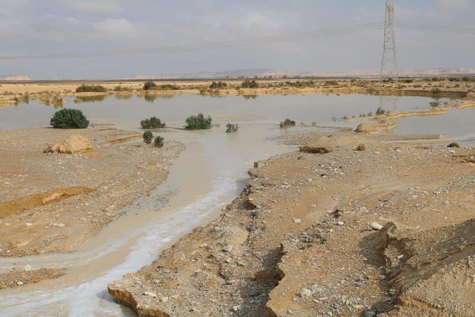 موجة الأمطار والسيول تروى وديان وسط سيناء (1)