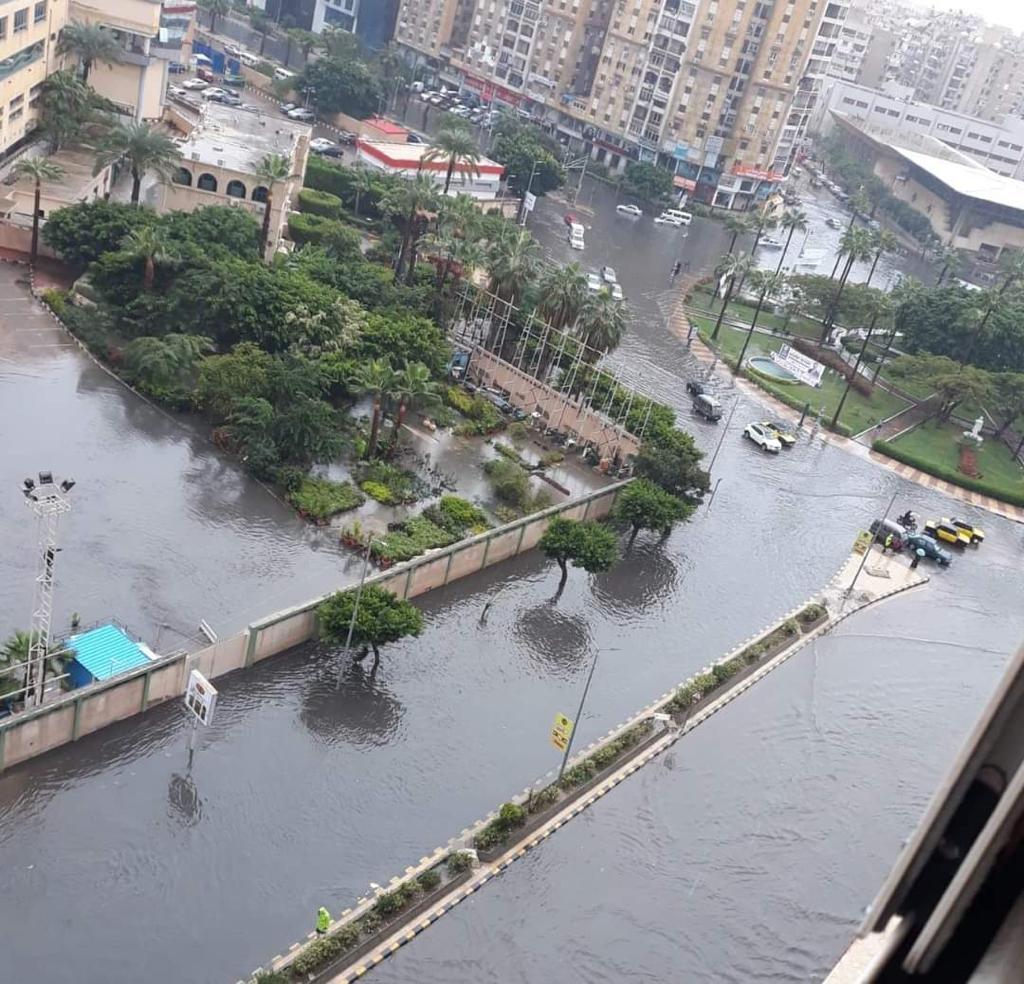 ارتفاع فى منسوب المياه وغرق بعض المناطق (1)